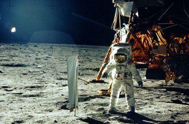 لماذا كان مستحيلًا تزييف فيديو الهبوط على القمر هل صعدت أمريكا إلى القمر ستانلي كوبريك وتزييف فيديو القمر هل قاممت أمريكا بتزييف فيديو الهبوط على القمر