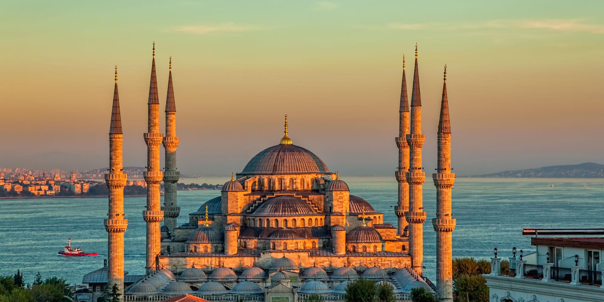 تاريخ مدينة إسطنبول - المدينة الوحيدة في العالم التي توجد في أكثر من قارة واحدة - عاصمة الثقافة الأوروبية عام 2010 - مدينة اسطنبول