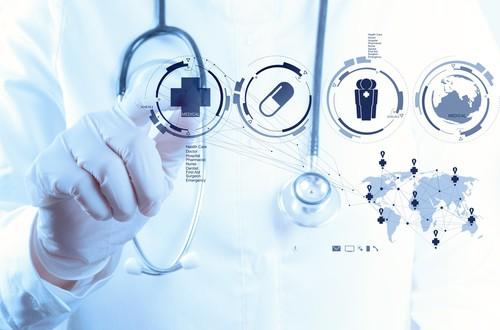 ما هي مخاطر التجارب السريرية ومنافعها؟ وإلى أي مدى هي آمنة؟ - كيف تحافظ التجارب السريرية على سلامة المشاركين وما هي المخاطر المحتملة