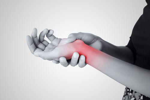 التهاب غمد الوتر لدي كورفان: الأسباب والأعراض والتشخيص والعلاج