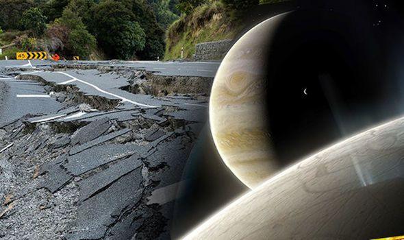 هل للقمر علاقة بالزلازل؟