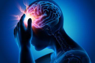 النوبة الصرعية الكبرى: الأسباب والأعراض والتشخيص والعلاج generalized tonic-clonic seizure اضطراب في عمل جانبي الدماغ إرسال إشارات عصبية إلى العضلات