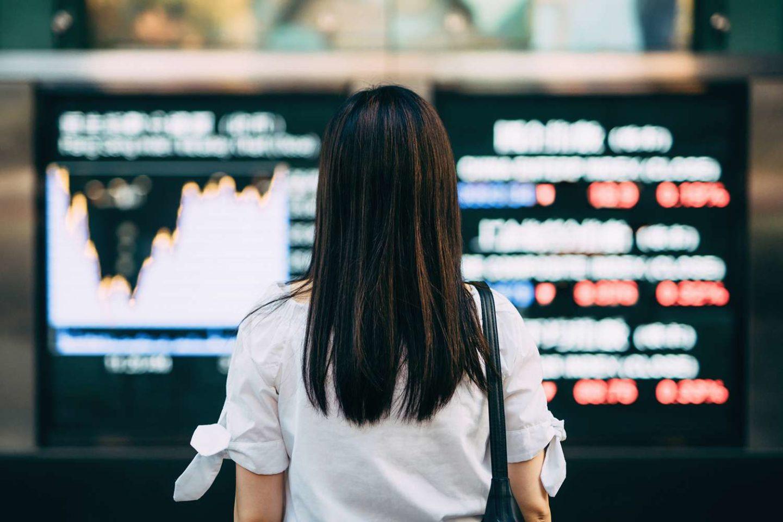 شركة إيفرغراند واضطرابات أسواق الأسهم وبيتكوين