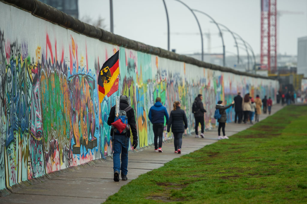 كل ما تود معرفته عن جدار برلين