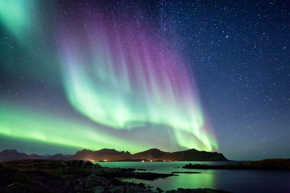 الشفق القطبي (أورورا بوريالس): ما هو، ما أسبابه، وأين يمكنك مشاهدته؟
