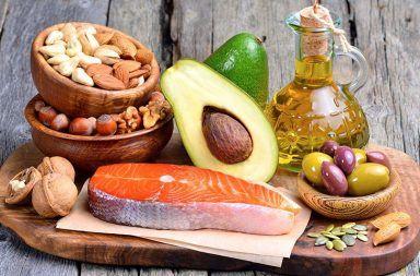 أنواع الدهون الدهون المشبعة الدهون غير المشبعة الدهون المتحولة الدهون الأحادية غير المشبعة