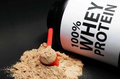 عشر فوائد صحية لبروتين مصل اللبن تدعمها الدراسات العلمية - ما الحاجة التي تستدعي شراء بروتين مصل اللبن؟ الفوائد التي يقدمها الواي بروتين