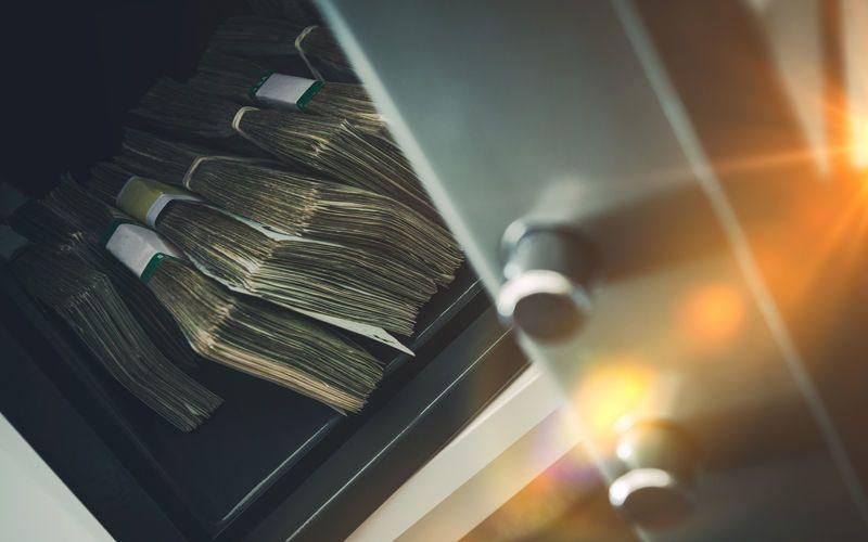 أثرى عائلات العالم تكدس النقود نظرًا لتصاعد المخاوف من الركود الاقتصادي