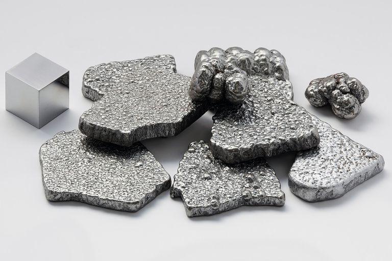 الحديد: حقائق كيميائية ومعلومات شيقة