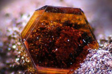 العثور على المعدن المنتشر بكثرة في المريخ في أعماق جليد القطب الجنوبي - عثور العلماء على معدن الجاروسايت المنتشر بكثرة في المريخ