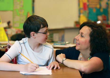 هل تؤدي الأكزيما إلى صعوبات التعلم عند الأطفال؟ كيف تؤثر الحكة والخدش الناتجين عن الأكزيما في النوم والتركيز والتركيز في المدرسة عند الأطفال