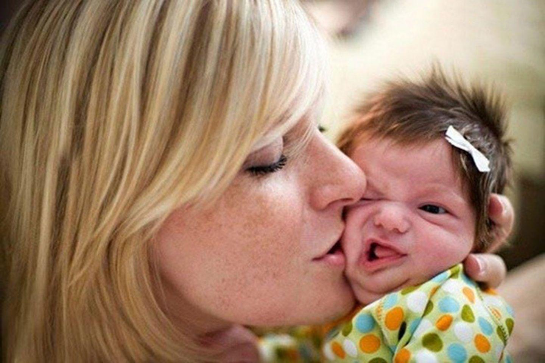 التهاب السحايا الفيروسي، هل يمكن أن تؤدي قبلة لإصابة رضيع به؟