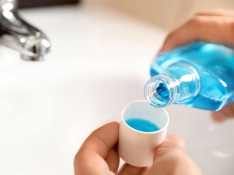 الغسولات الفموية قد تثبط فيروسات كورونا البشرية بحسب الدراسات