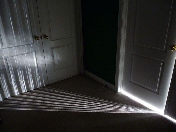 انحراف الضوء وكيفية انحناءه حول الأجسام