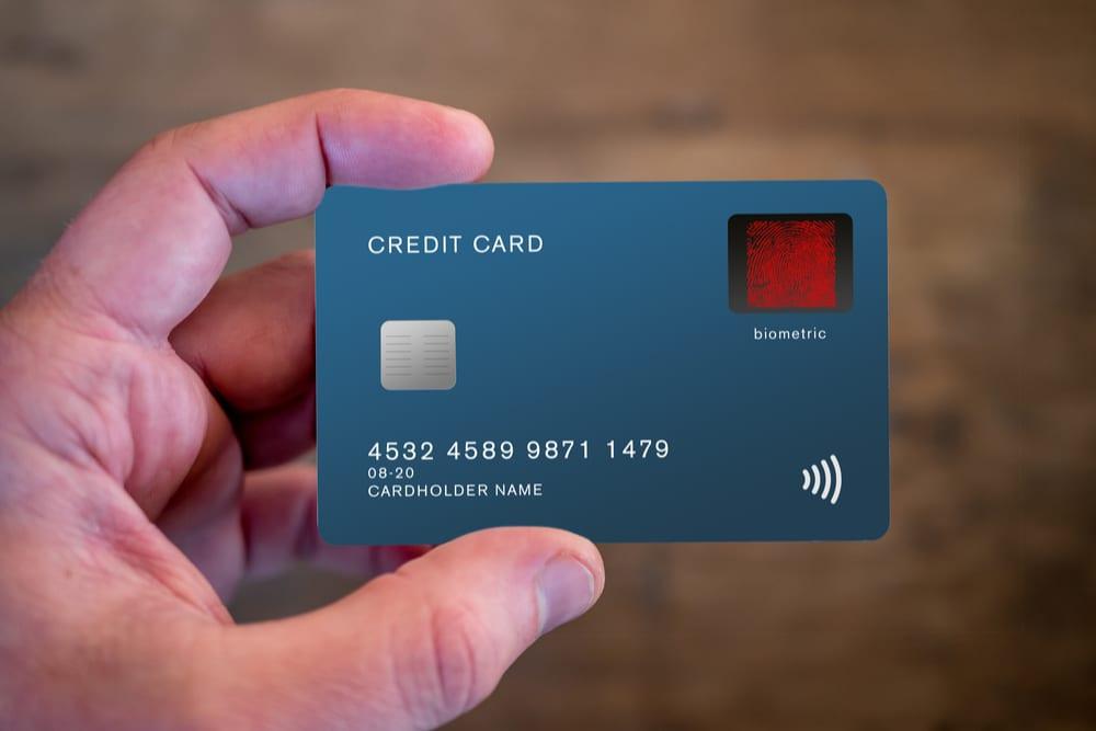كيف تعمل البطاقات الائتمانية ؟
