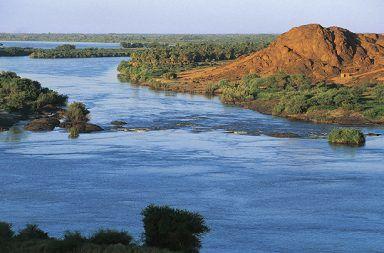 حقائق عن نهر النيل معلومات جميلة لم تكن تعرفها حول نهر النيل أطول نهر في العالم شمال افريقيا نهر الأمازون تمساح النيل الخرطوم في السودان