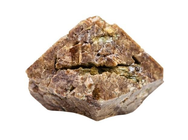 خام الزركون (من الأحجار الكريمة) وهو المصدر الرئيس لعنصر الزركونيوم