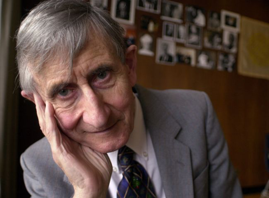 وفاة فريمان دايسون عالم الفيزياء الكمومية صاحب الخيال الخصب عن عمر 96 عامًا