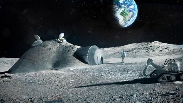يمكن طباعة القواعد أو البيوت القمرية المستقبلية باستخدام طابعة ثلاثية الأبعاد من مواد موجودة على القمر، كما هو موضح في الصورة التوضيحية أعلاه.
