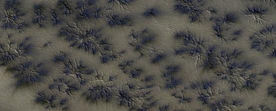 كيف يمكن أن تتشكل العناكب على سطح المريخ؟ - كيف تشكلت هذه «العناكب» على سطح المريخ؟ - كيف تشكلت أشكال أرانية على سطح المريخ - الجليد الجاف