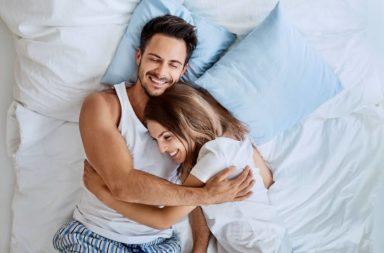 ما سر السعادة الزوجية - المرونة العاطفية - العائلات السعيدة - العائلات المتماسكة - تنظيم العواطف - السعادة بين الأزواج - الحياة السعيدة