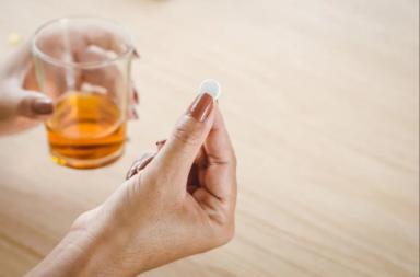 دواء بريدنيزون: الاستخدامات والجرعات والتأثيرات الجانبية والتحذيرات - أحد الأدوية القشرية الكظرية - تثبيط الجهاز المناعي - البريدنيزون
