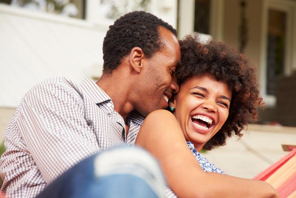 سبع قواعد لتحسين علاقتك الرومانسية - جعل العلاقة الحميمية بين الأزواج أفضل - تحسين مشاعر المودة التي تعبر عن مفهوم الصداقة بين الأزواج