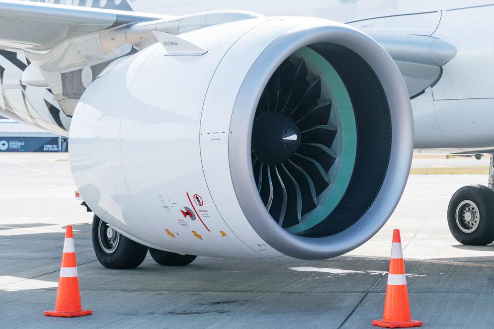 اكتشاف طريقة لسحب الكربون من الهواء وتحويله إلى وقود للطائرات