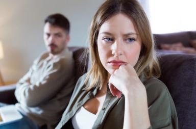 عشرة سلوكيات تدمر علاقتك عليك تجنبها - السلوك العدواني تجاه الآخرين ونتائجه السلبية - القسوة المتعمدة تجاه البشر المحيطين بك - الإدمان