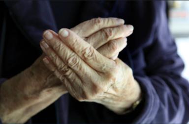 ما أسباب خدر (تنميل) اليدين والقدمين؟ - علاقة الإصابة بالسكري بتنميل الأطراف - متلازمة النفق الرسغي وتنميل اليد بسبب انضغاط العصب في المعصم