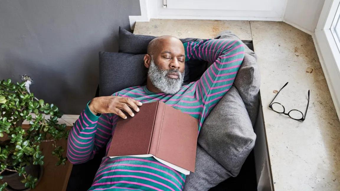 هل تزيد قلة النوم من خطر الإصابة بالخرف؟