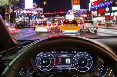 معلومات حول التقنية الجديدة التي طورتها شركة أودي والمسماة بنظم معلومات إشارات المرور - تقنية أودي الجديدة ستمكنك من اجتياز الإشارات الحمراء