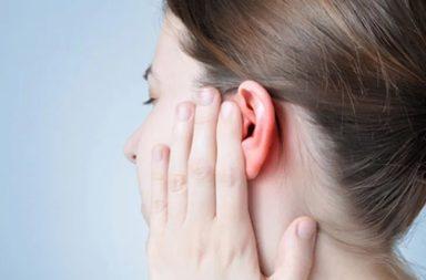 اثنتا عشرة طريقة لإخراج الماء من الأذنين - 12 طريقة تساعد على إخراج المياه العالقة في الأذن - ما أخطار عدم إخراج الماء من الأذنين؟