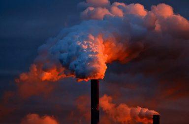 ما الدور الذي تلعبه السحب في الاحتباس الحراري؟ كم سترتفع درجة حرارة الأرض استجابة لانبعاثات غازات الاحتباس الحراري في المستقبل؟