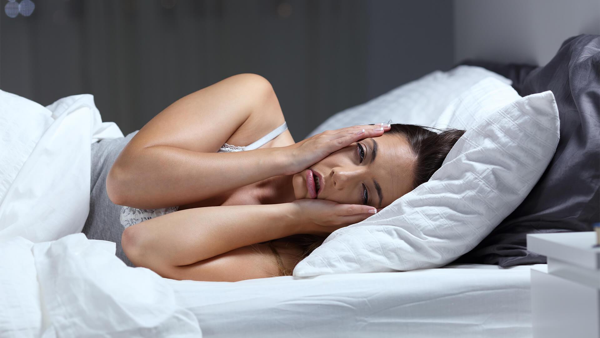 اكتشف الباحثون تضاعف عدد الزيارات والوصفات الطبية تقريبًا لدى الذين يعانون مشكلات النوم مقارنة باللذين لا يعانون منها - مساوئ اضطرابات النوم