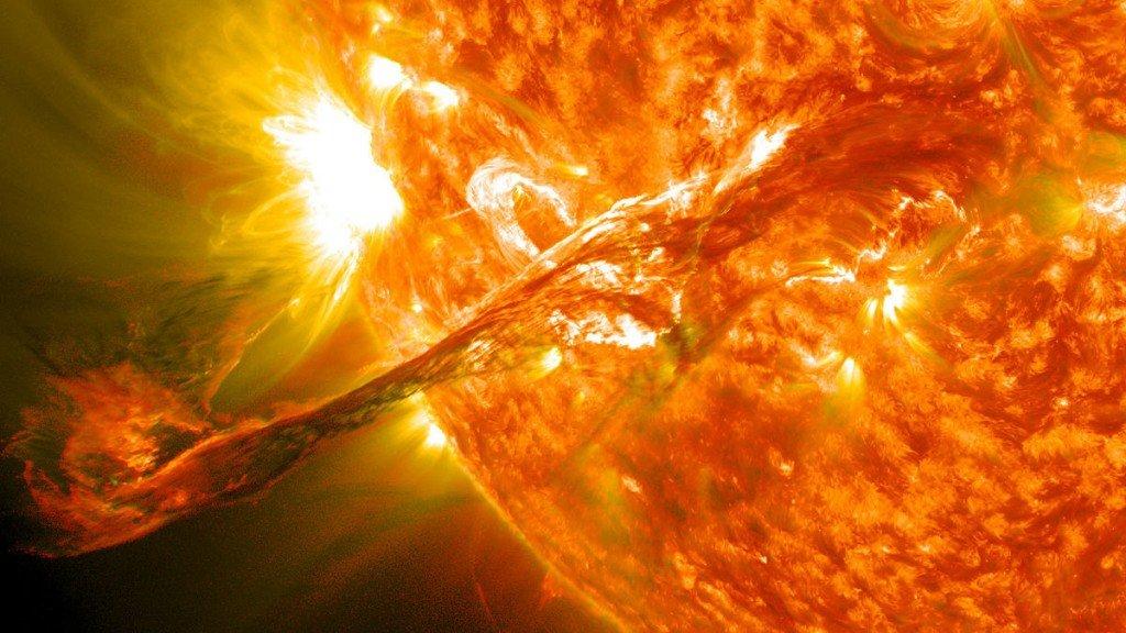 صور مذهلة للغلاف الجوي للشمس تظهر خيوط بلازما لم نرها سابقًا
