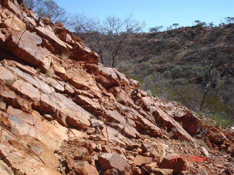 صفائح تكتونية عمرها 3.6 مليار سنة كشفت عن أقدم المعادن على الأرض