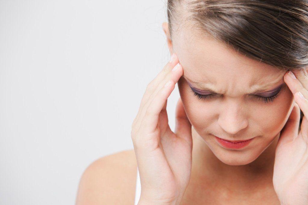 صداع التوتر: الأسباب والأعراض والتشخيص والعلاج