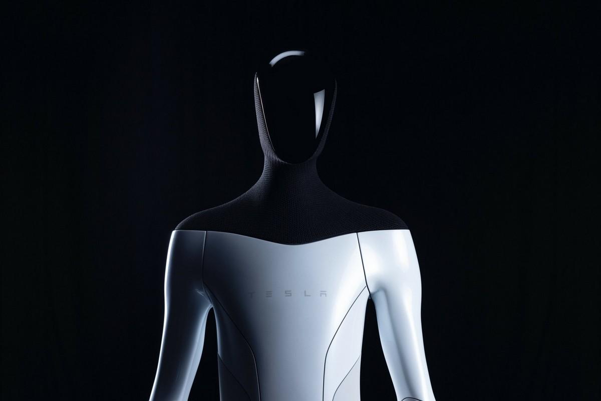 هل روبوت تسلا الجديد ديستوبيا مرعبة من الخيال العلمي؟