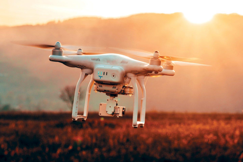 ما هي تقنية طائرات الدرون ؟