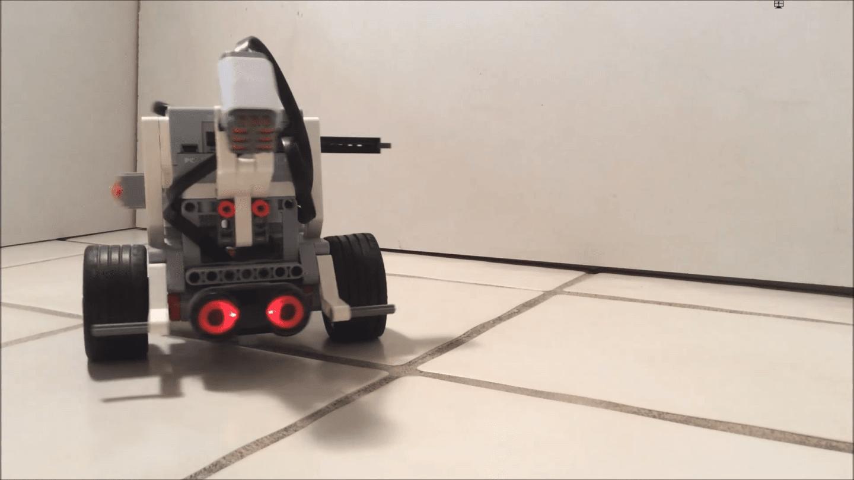 روبوت يعمل بواسطة دماغ دودة تمت زراعته فيه!