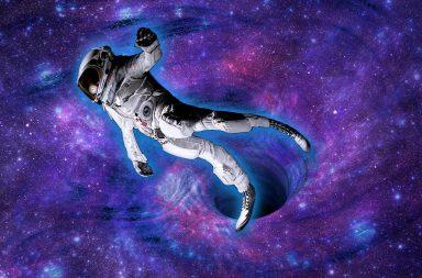 اربطوا الأحزمة واستعدوا لرحلة ممتعة داخل ثقب أسود - رحلة داخل الثقب الأسود - ما الذي يوجد داخل الثقوب السوداء - كتل هائلة الكتلة والكثافة