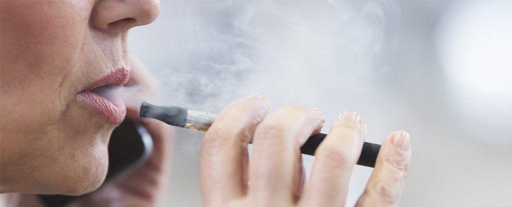 تدخين السجائر الإلكترونية له مخاطر خاصة