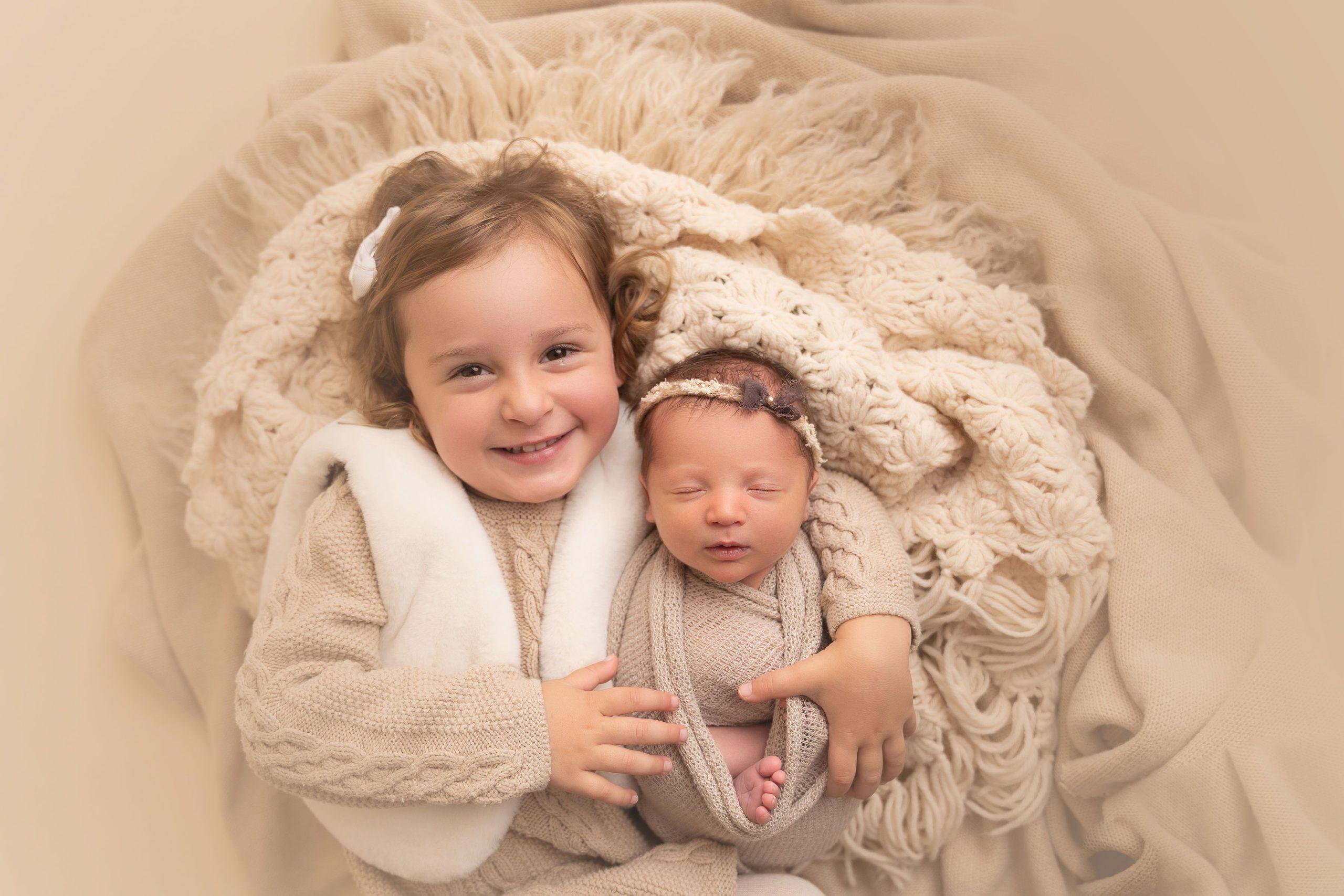 ولادة طفلة عمرها 28 عامًا - أطول عملية تجميد لجنين يولد حيًا - الرقم القياسي السابق لأطول عملية تجميد لجنين في العالم - تجميد جنين حي