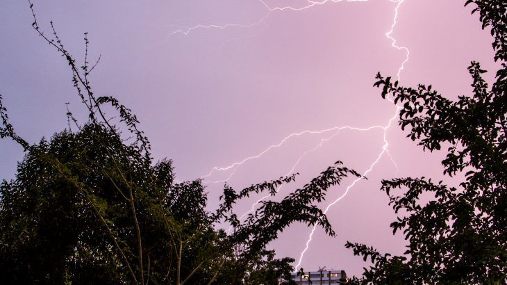 اكتشف العلماء وجود علاقة غريبة بين أشعة غاما و البرق (العواصف الرعدية)