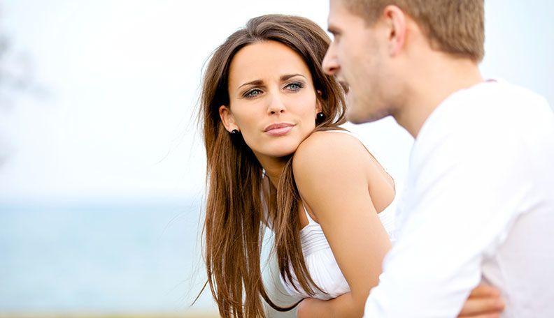 لماذا تتألم النساء أكثر من الرجال بعد الانفصال؟