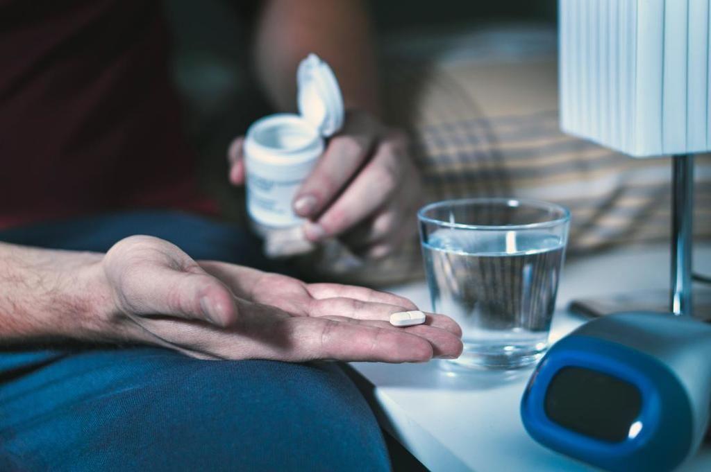 الاستخدام المفرط لمسكنات ألم الأسنان لوّن دم امرأةٍ باللون الأزرق