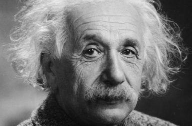 أجمل أقوال ألبرت أينشتاين وأشهرها مجموعة من أشهر أقوال ألبرت أينشتاين وأكثرها تأثيرًا قصة حياة العالم الفيزيائي المشهور بأبو النسبية
