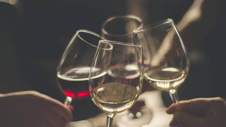 ما علاقة الكحول بحرقة الفؤاد؟
