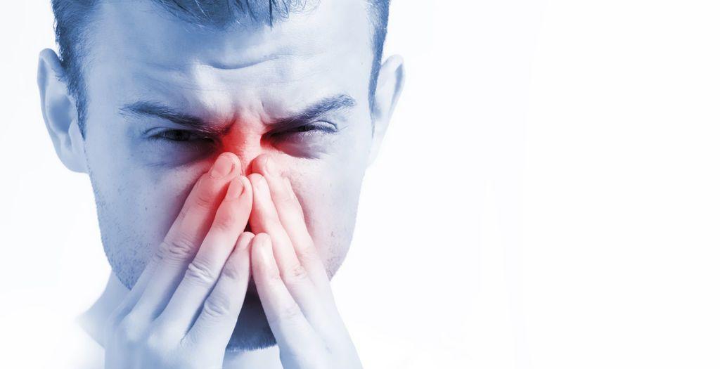 التهاب الأنف التحسسي: الأسباب والأعراض والتشخيص والعلاج